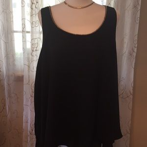 Jennifer Lopez tunic in beautiful black